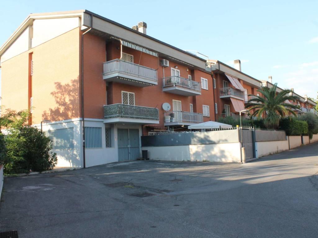 foto FACCIATA 4-room flat via Cavalier d'Arpino 9, Frascati