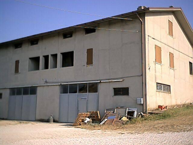 foto  Villa plurifamiliare via dei Vasari, Senigallia