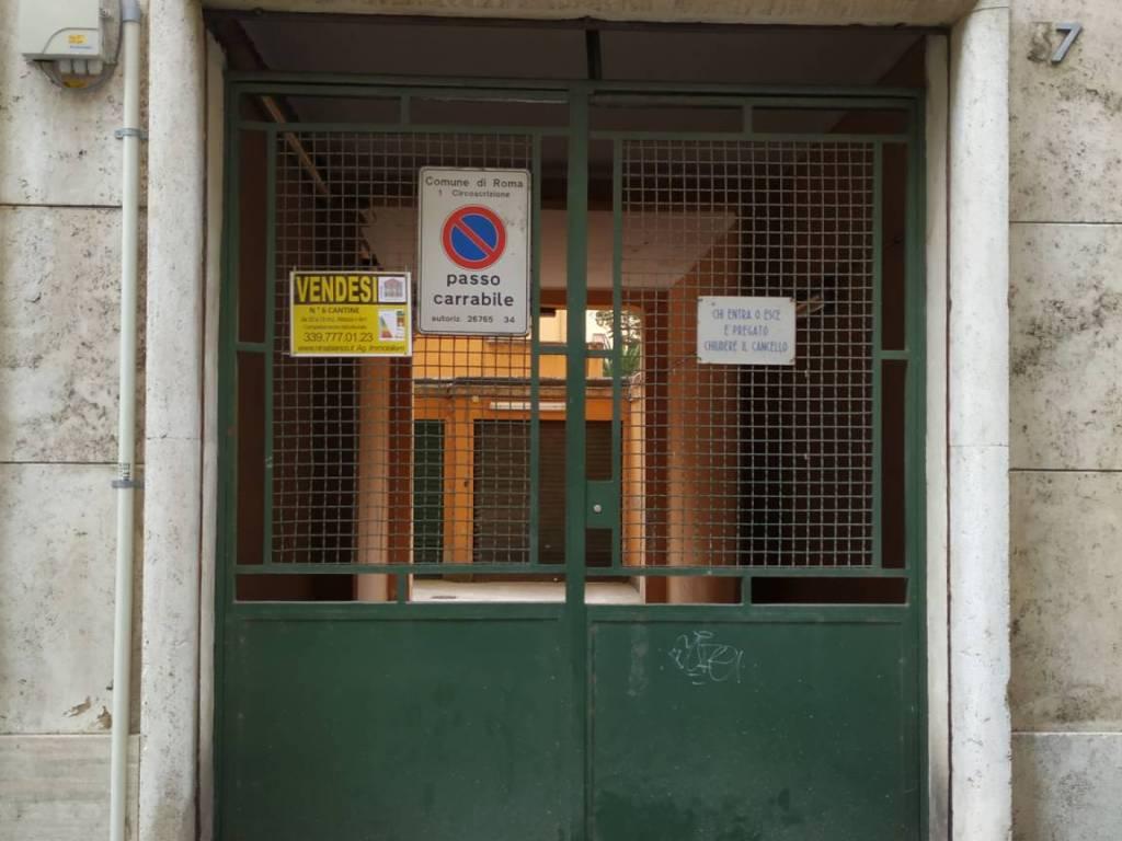 foto Accesso Cantina via Tasso 39, Roma
