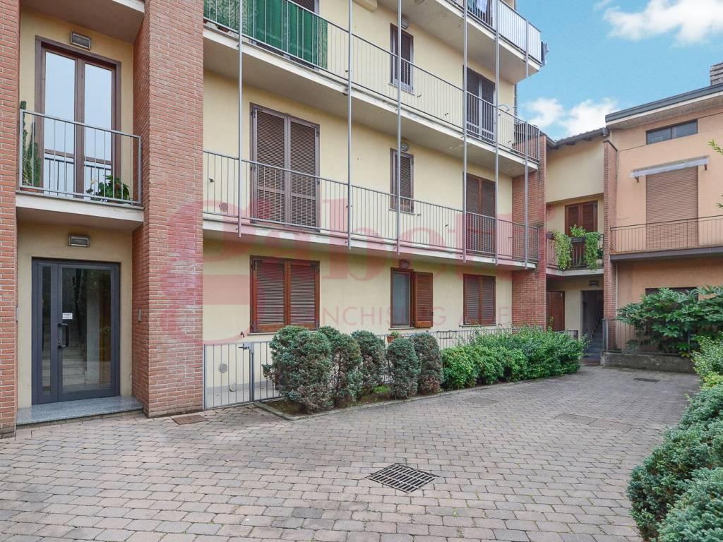 foto esterno Двухкомнатная квартира via Montebello, Mariano Comense