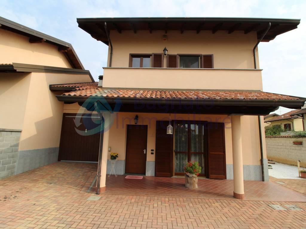 foto Facciata Villa unifamiliare via Monsignor A  Rastelli, Borgo Vercelli