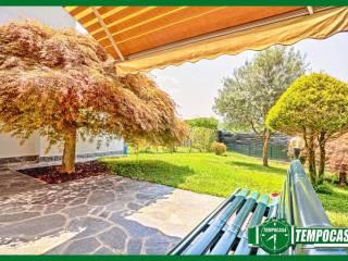 Foto - Villa a schiera via Roma, Casorate Sempione