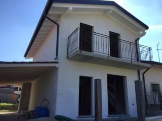 Foto - Villa bifamiliare via Gaetano Donizetti, Bulgarograsso