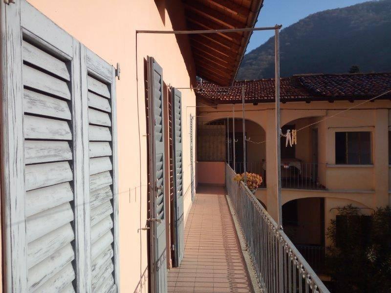 foto  Terratetto plurifamiliare 225 mq, da ristrutturare, Orino