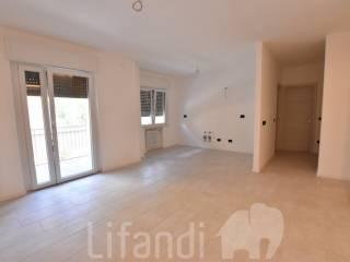 Photo - 2-room flat good condition, third floor, Oltrisarco - Aslago, Bolzano