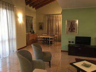 Photo - 4-room flat via saore 4 c, Osio Sotto