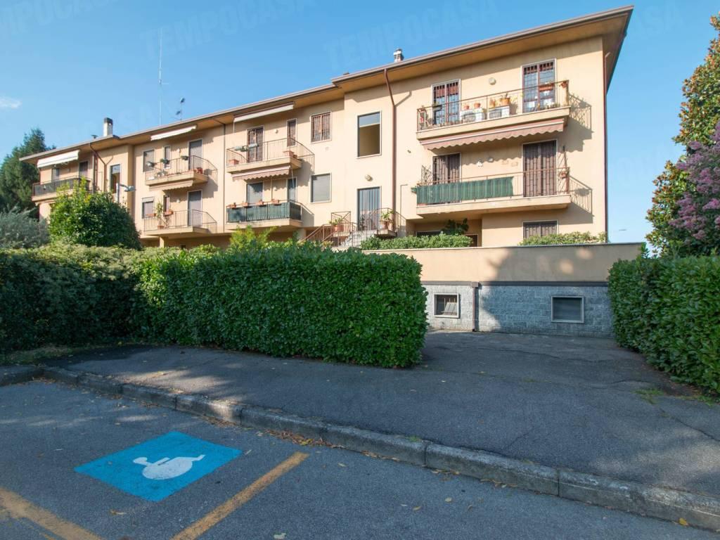 foto palazzina 3-room flat via Enrico Fermi 18, Vignate