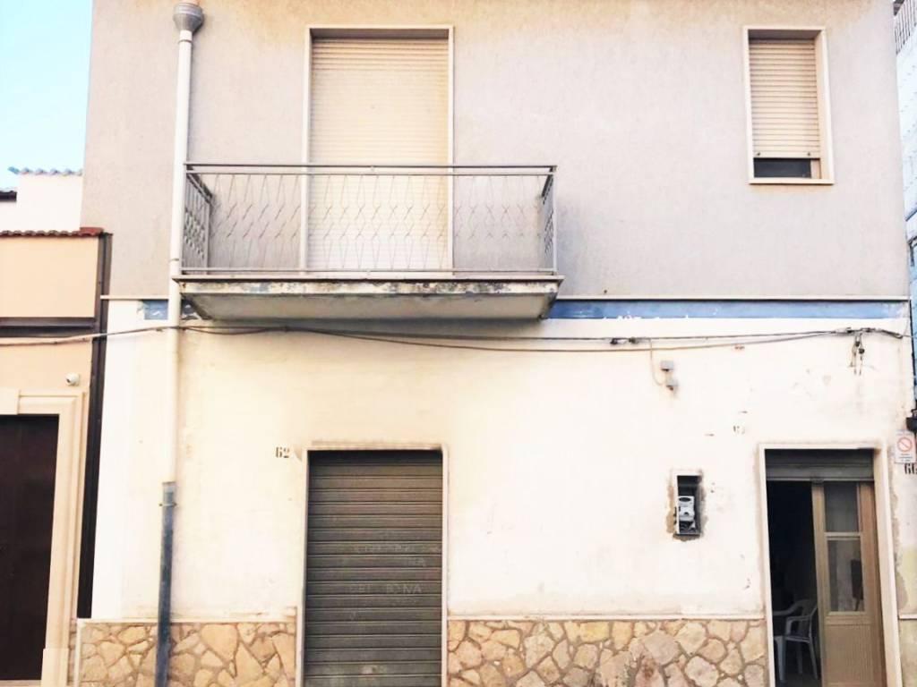 foto  Apartment via Milano 62, Apricena
