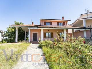 Foto - Villa unifamiliare via San Lorenzo 24, Rodello