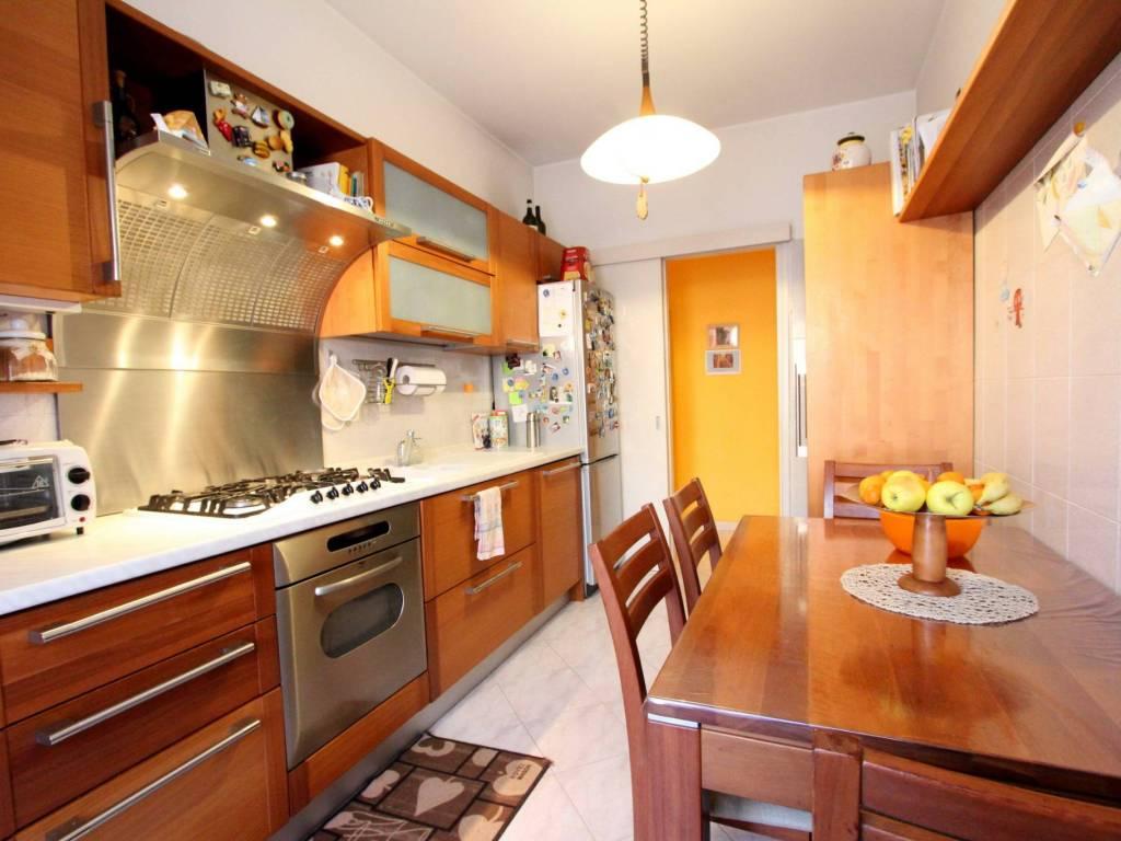 foto cucina T3 via Dora Riparia 4, Milano