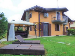 Photo - Two-family villa via delle Strette, Appiano Gentile