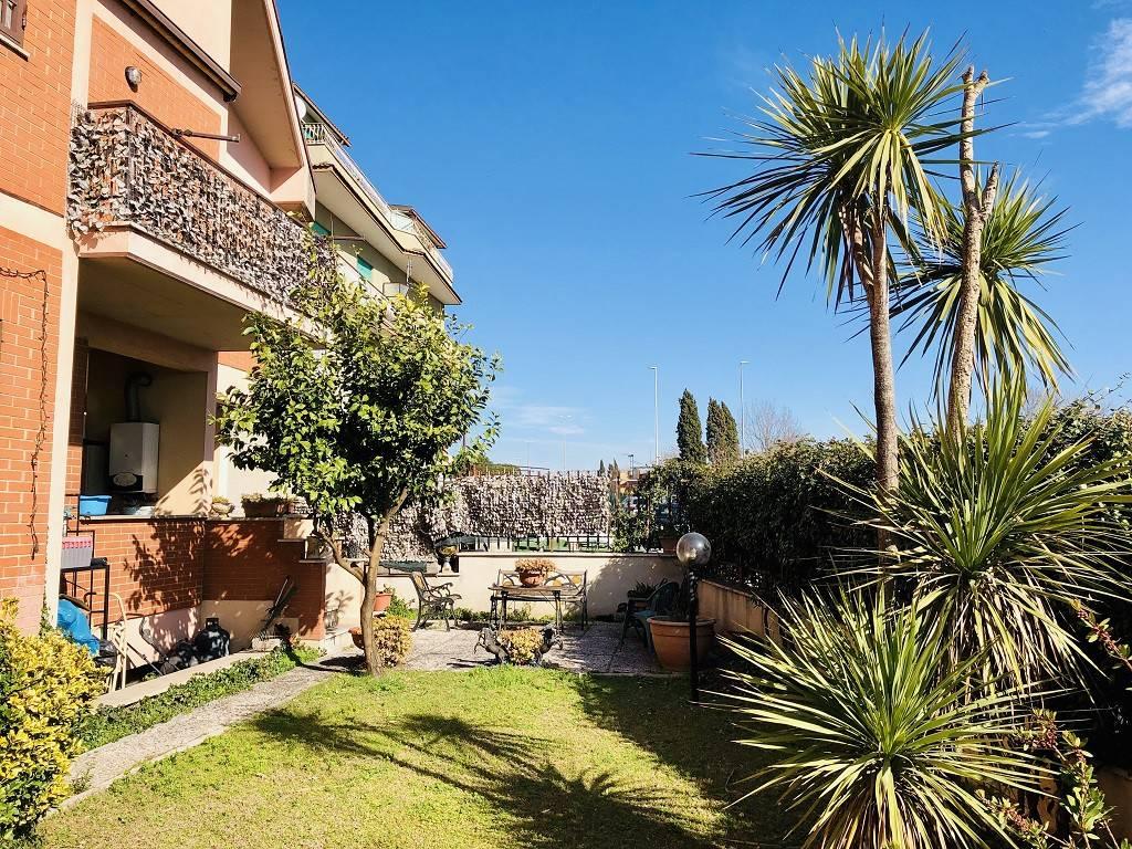 foto giardino T4 via di Torrenova, Roma