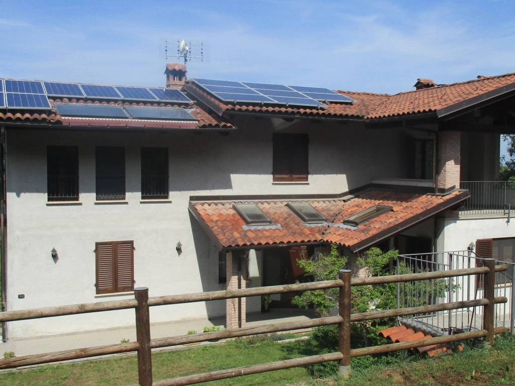 foto  Single family villa via Fornaca, Busca