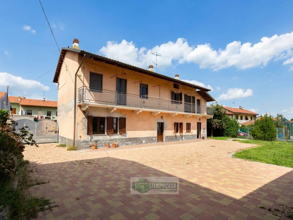 foto ESTERNO Villa bifamiliare via Caduti della Libertà 16, Torrazza Piemonte