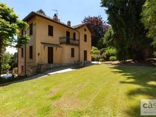 Foto - Villa unifamiliare via Adige 10, Santa Maria del Monte, Varese