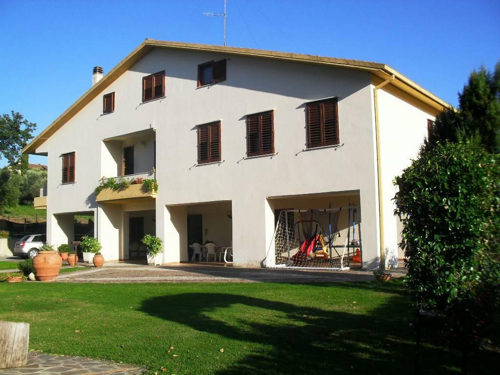 foto  Villa plurifamiliare Località Pianello, San Gemini