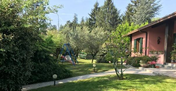 foto  Villa unifamiliare viale Gioacchino Rossini 2, Godiasco Salice Terme