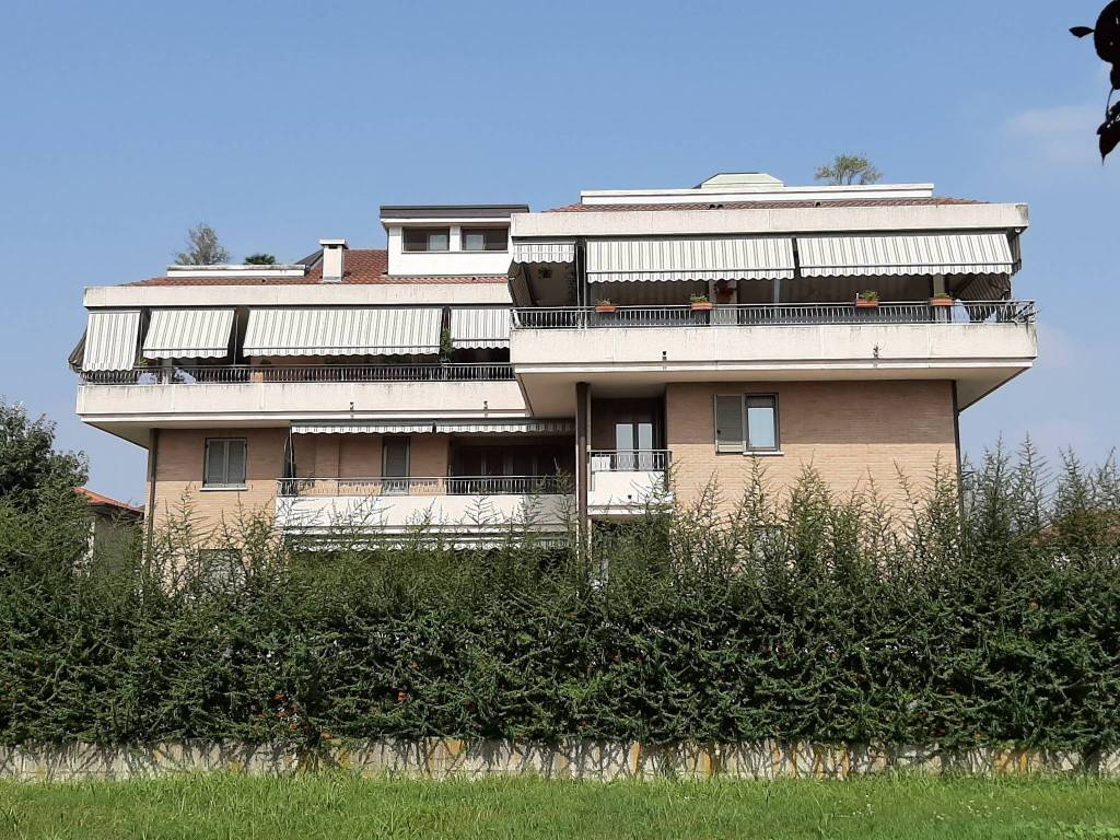 foto esterno Attico via San Luca, Cesano Maderno