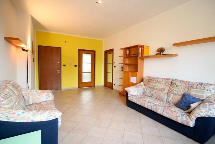 foto Soggiorno 4-room flat via Michelangelo Buonarroti 3, Rivarolo Canavese