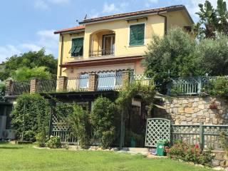 Photo - Single family villa, excellent condition, 200 sq.m., Costarainera