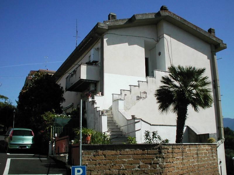 foto  Quadrilocale via dei Monti 10, Forano