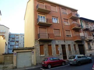 Foto - Trilocale via Tronzano 12, Rebaudengo, Torino