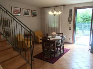Photo - Terraced house, good condition, Curtarolo
