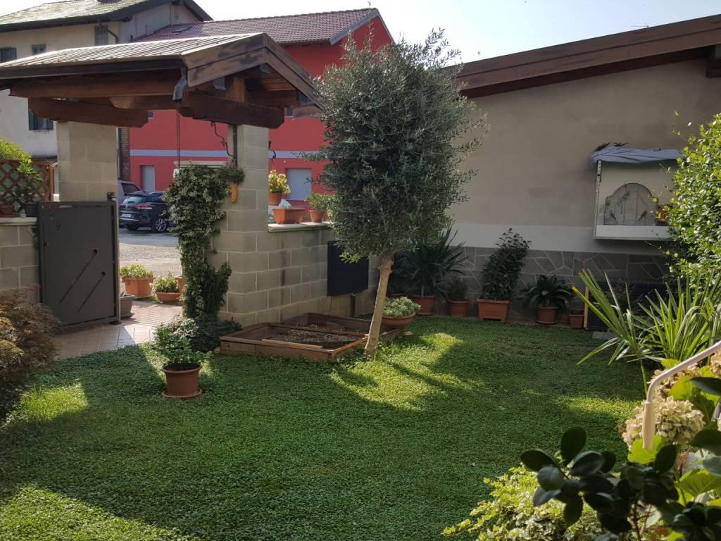 foto GIARDINO Μονοκατοικία via Antonietta Viana Fornaroli 8, Romentino