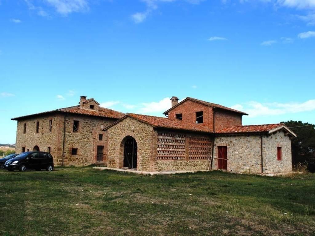 foto Foto Rustico, da ristrutturare, 620 mq, Paciano