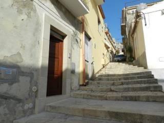 Photo - 3-room flat via Conte Manfredi 1, Chiaramonte Gulfi