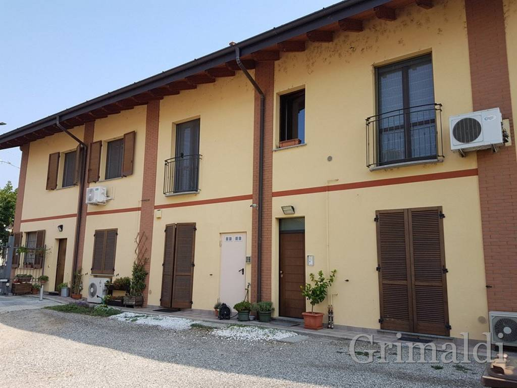 foto Esterno 3-room flat excellent condition, first floor, Robecco sul Naviglio