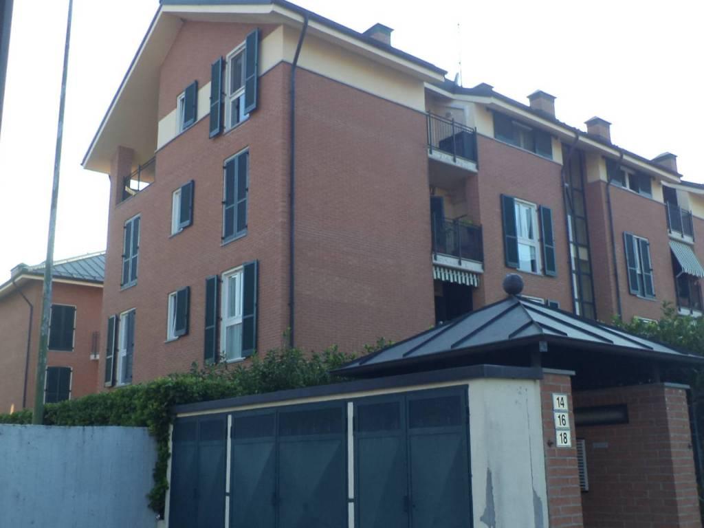 foto Facciata 4-room flat via Giovanni Amendola 16, Chieri