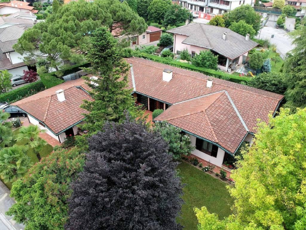 foto veduta proprietà sud Single family villa via Cavalieri di Vittorio Veneto, Camisano Vicentino