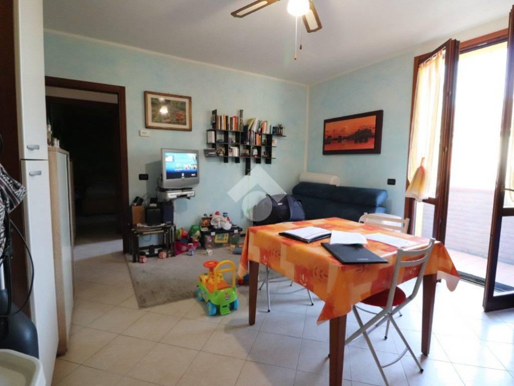 foto SALA E CUCINA 2-room flat via Legnaghese, San Giorgio Bigarello