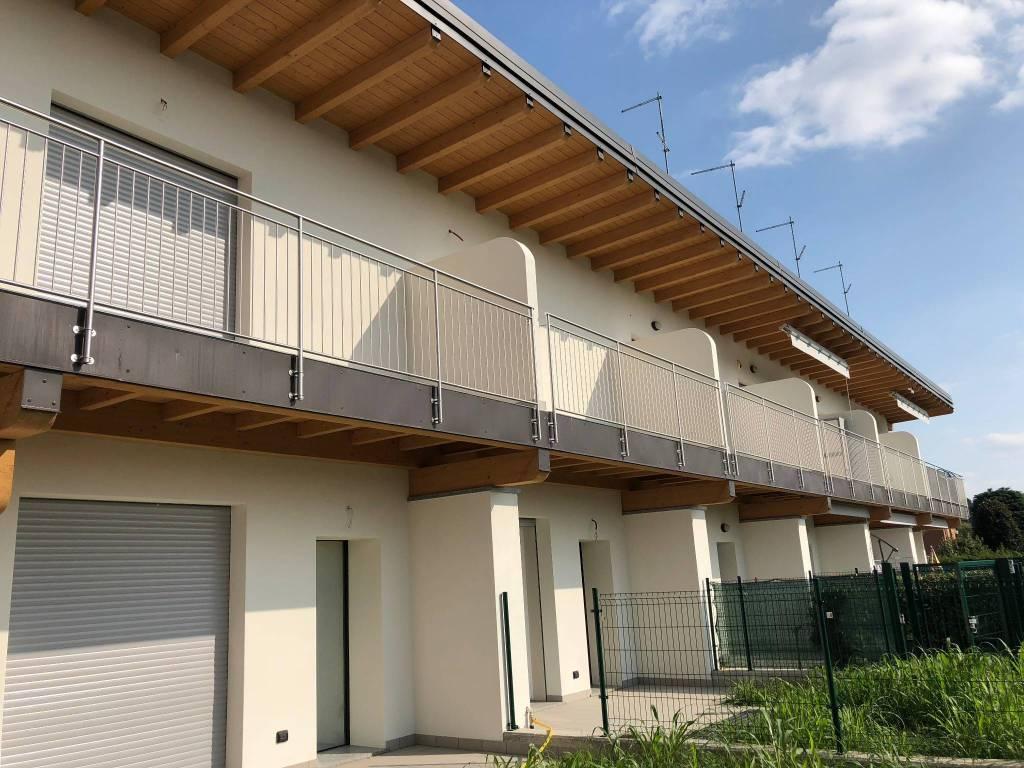 foto esterno Villa a schiera via per Intimiano 1, Cantù