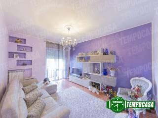 Photo - 3-room flat via Risorgimento, Cerchiate, Pero