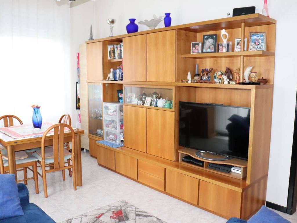 foto SALA 2-room flat via Olgettina 1, Vimodrone