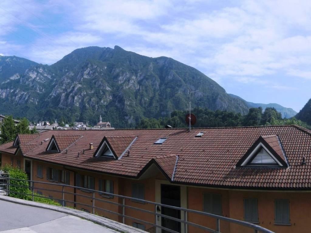 foto esterno 2-room flat via Orenghi 31, Piazza Brembana
