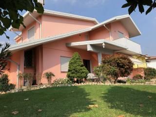 Photo - Single family villa, excellent condition, 237 sq.m., Villadose