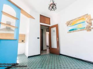 Photo - 4-room flat via Mansueto 40, Rivarolo, Genova