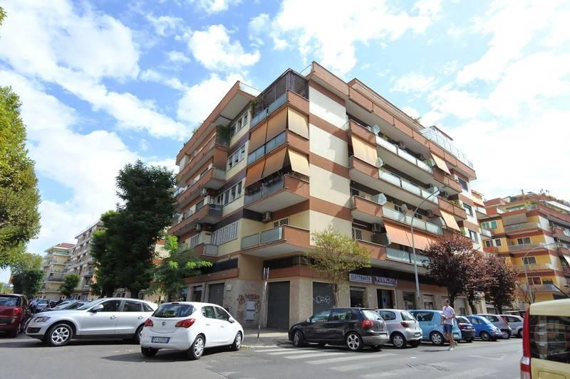 Vendita Appartamento Roma Trilocale In Via Enrico Fermi