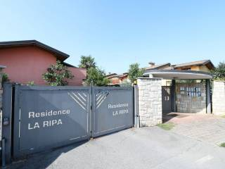 Photo - Terraced house via Luigi Einaudi, Filago