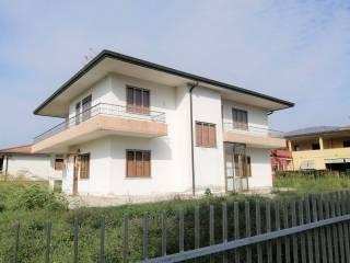 Photo - Single family villa, good condition, 373 sq.m., Pozzonovo