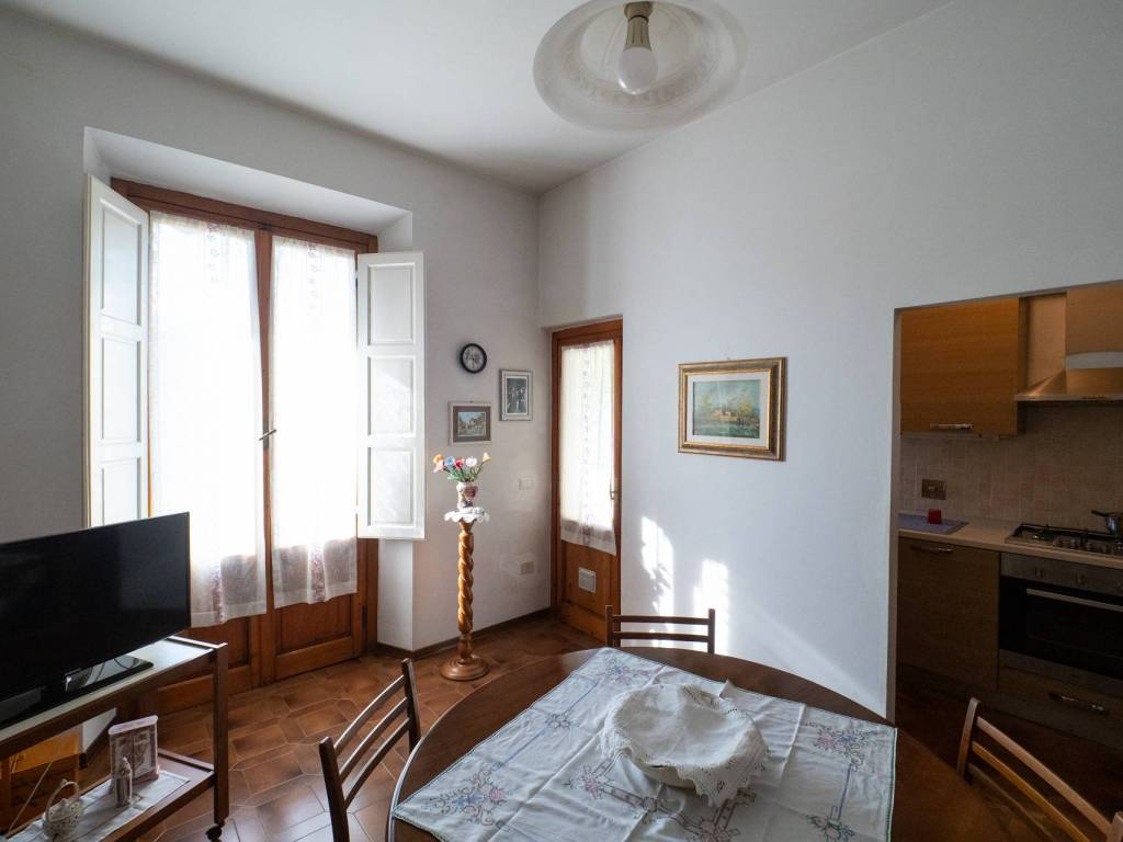 foto 1 4-room flat via L  Fabbroni, Rufina