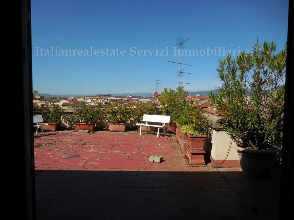 foto  Attico buono stato, 239 mq, Firenze