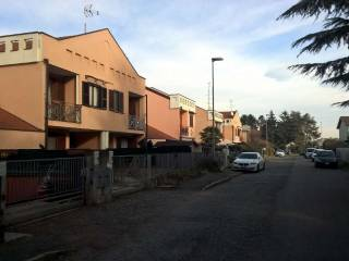 Photo - Terraced house via Monti 71, Robecchetto con Induno