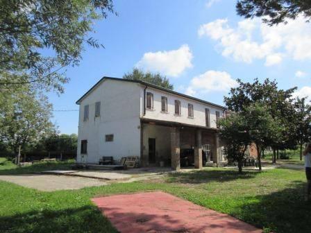 foto  Villa bifamiliare, buono stato, 334 mq, Loreo