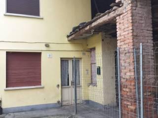 Foto - Terratetto unifamiliare 134 mq, da ristrutturare, Gambara