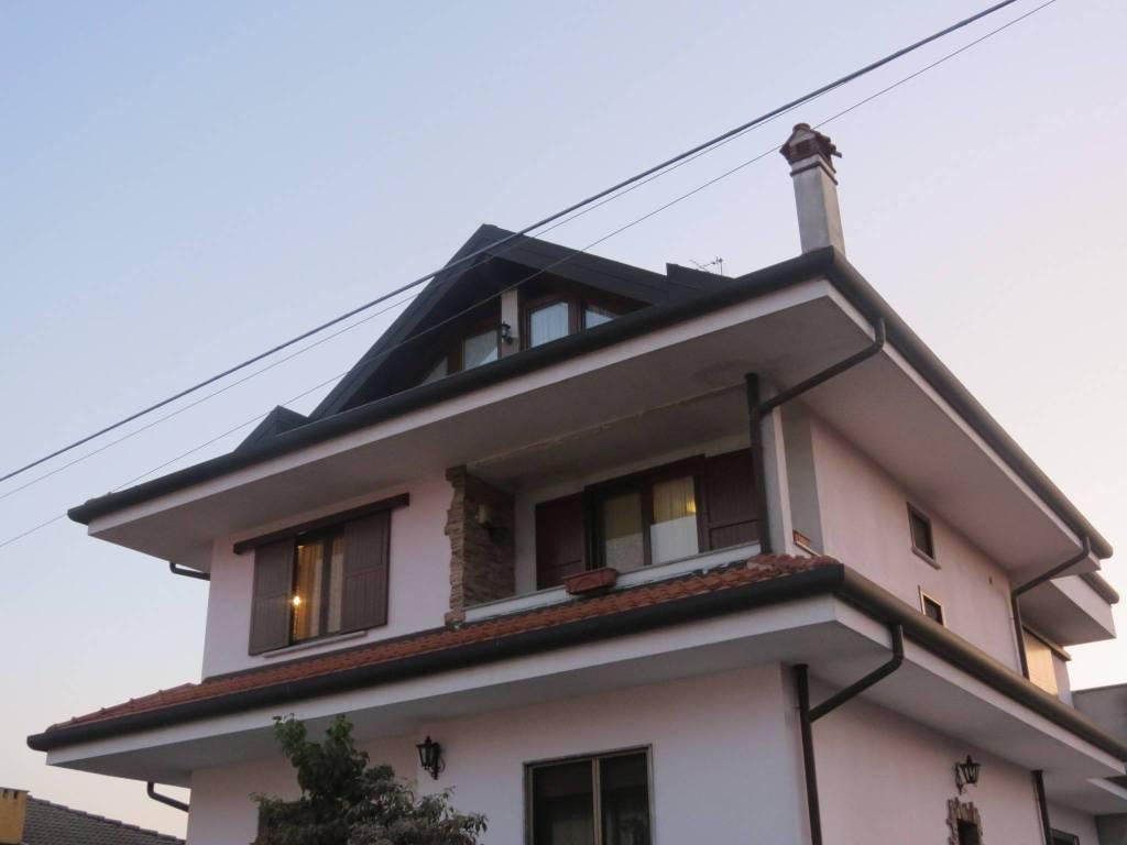 foto  Apartment via Vittorio Veneto, Arconate