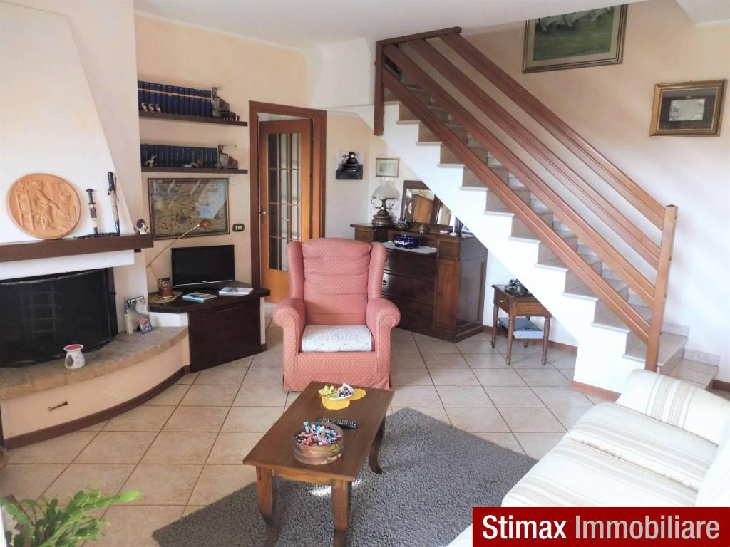 foto SOGGIORNO Trilocale ottimo stato, terzo piano, Castelfranco Emilia